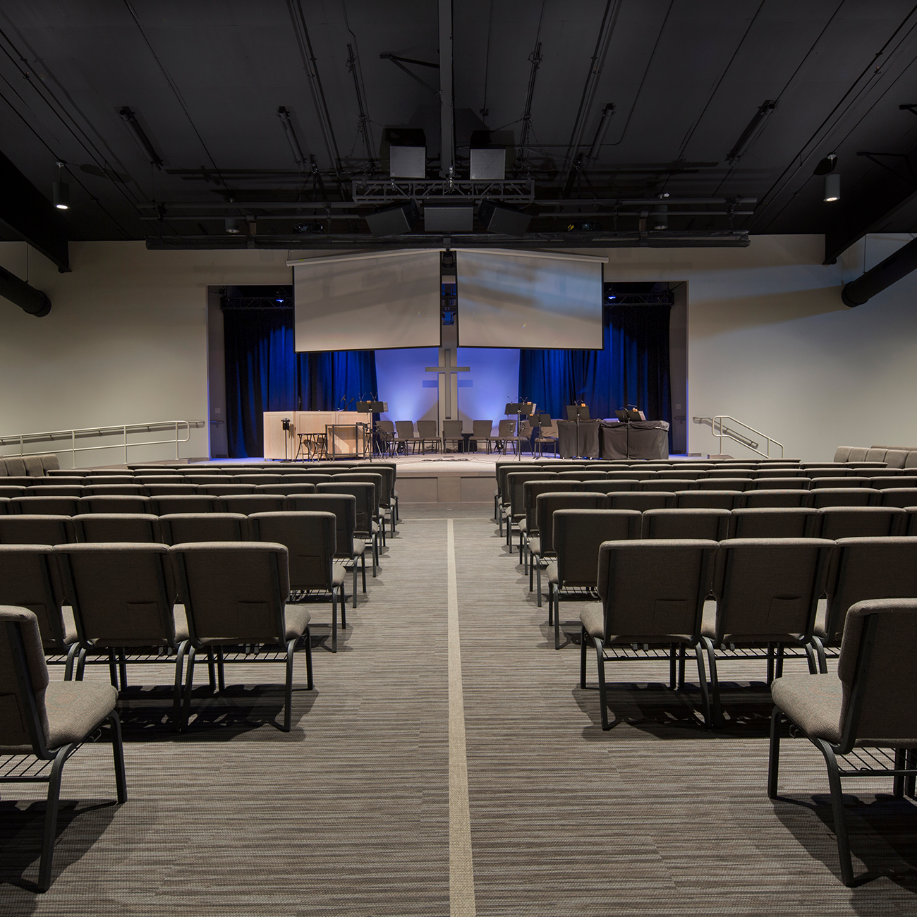 GracePoint-Sanctuary-Stage-View